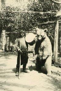 Bärenführer in Mazedonien